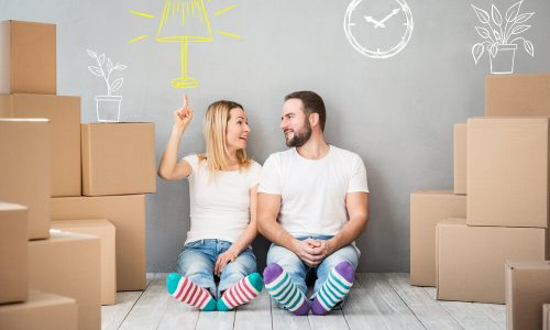 couple-move-new-place